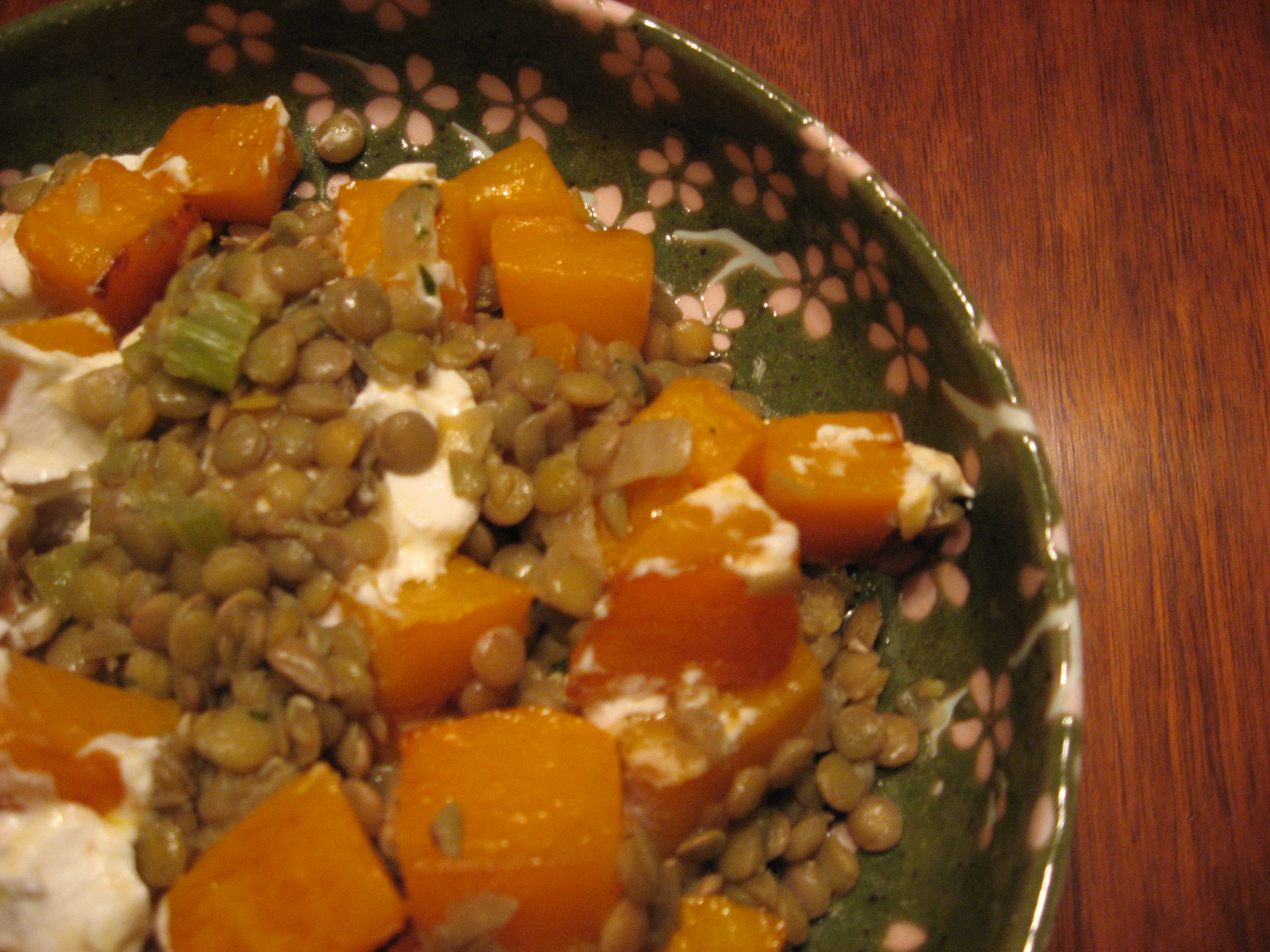 Roast Winter Squash Salad with Lentils and Goat Cheese | keito potato