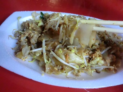 wide-noodle pad thai