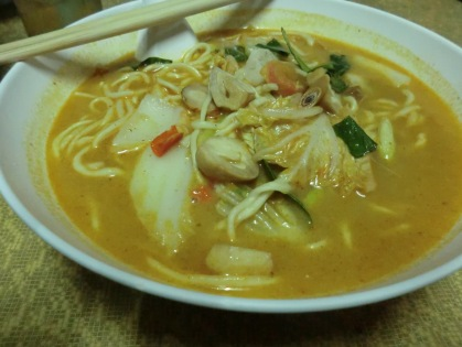 vegetarian tom yum noodle soup