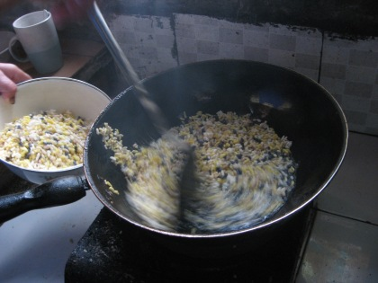 frying puffed rice
