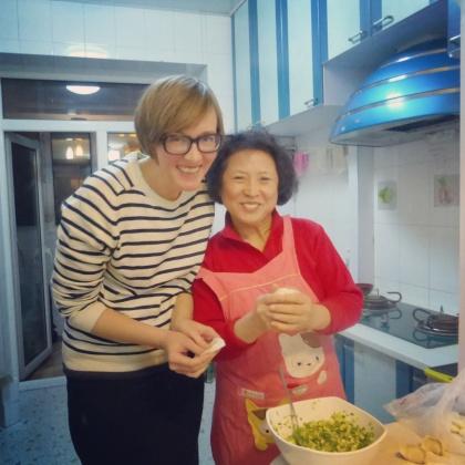 making jiaozi